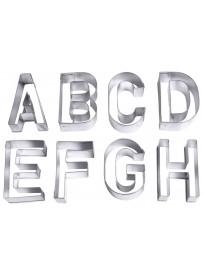 """Set de grands emporte-pièces """"alphabet"""" en fer blanc"""